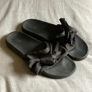 Mossimo for Target black bow slides